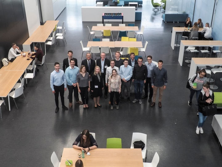 Gruppenbild mit Herrn Dr. Haag, CFO, Voith GmbH & Co. KGaA