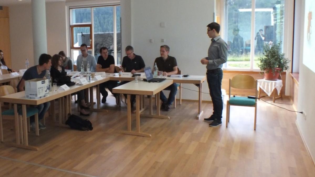 Seminar 2  (c) Universität Stuttgart