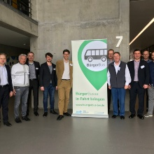 Teilnehmer des Auftakttreffens FEeoV v.l.n.r. Dr. Christian Schlosser (BMVI), Klaus Elgardt (proBürgerbus), Dr. Sixten Schockert, Felix Schönhofen (beide WIUS), Dr. Martin Schiefelbusch, Wolfgang Schröder (beide NVBW), Albert H. Kamm (proBürgerbus), Dr. Benedikt Krams (Match Rider), Markus Jackenkroll (NVBW), Niklas Schwingel (Landesverkehrsministerium)